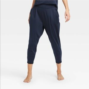 Mid-rise loose practice sweatpants